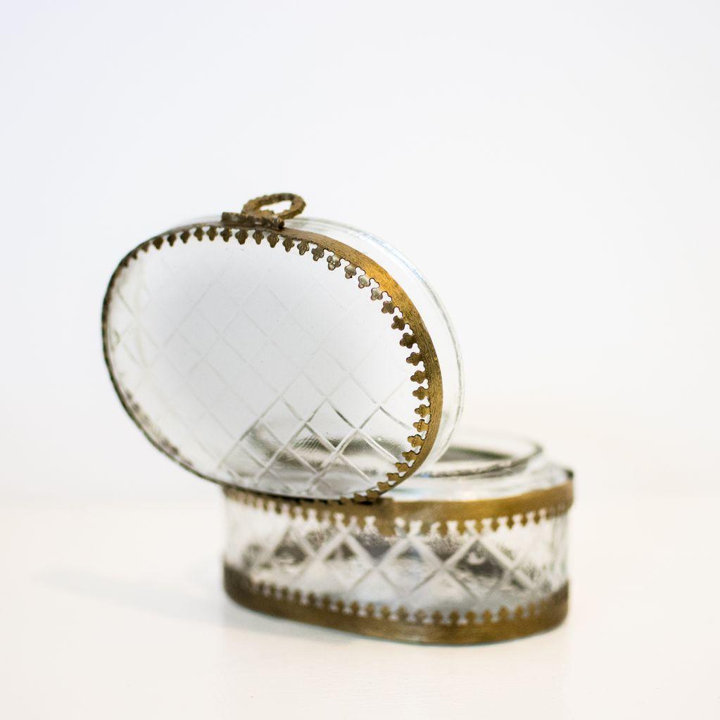Everyday Oval Filagree Glass Box
