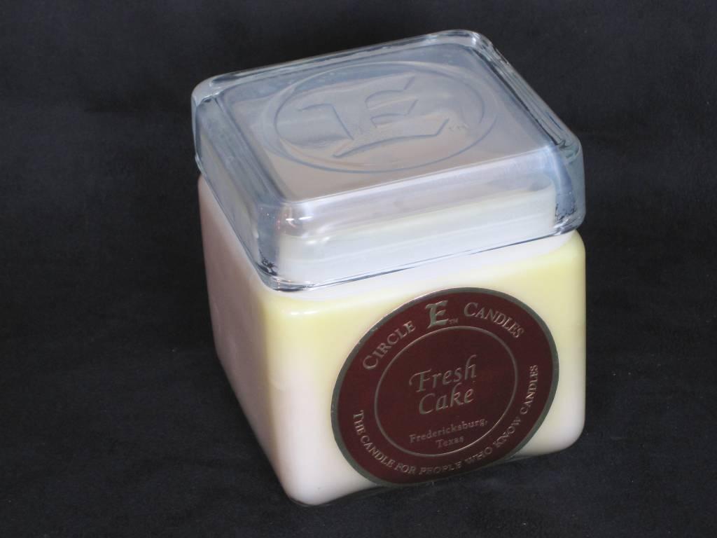 Circle E Candle - Fresh Cake - 28oz