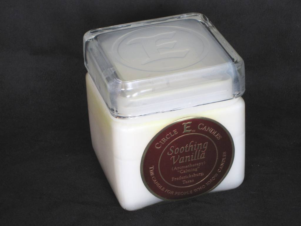 Circle E Candle - Soothing Vanilla - 28 oz