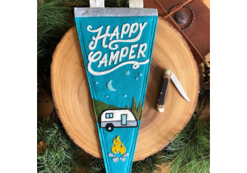 Yoho & Co Yoho & Co Felt Pennant Under the Stars Happy Camper