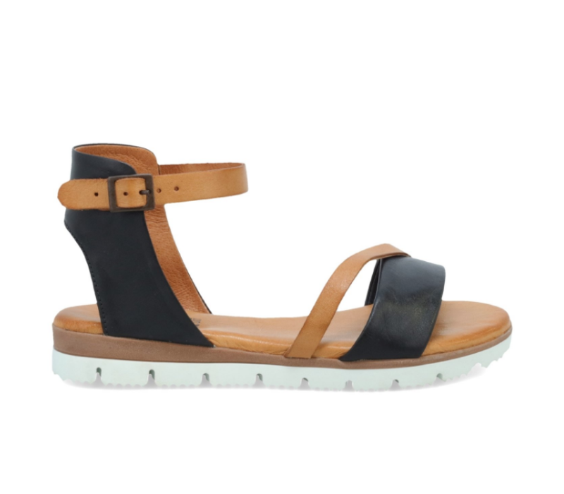 The Miz Mooz Shep is a fashionable take on a sporty sandal, with contrast straps and an adjustable buckle for a cute and comfortable fit!