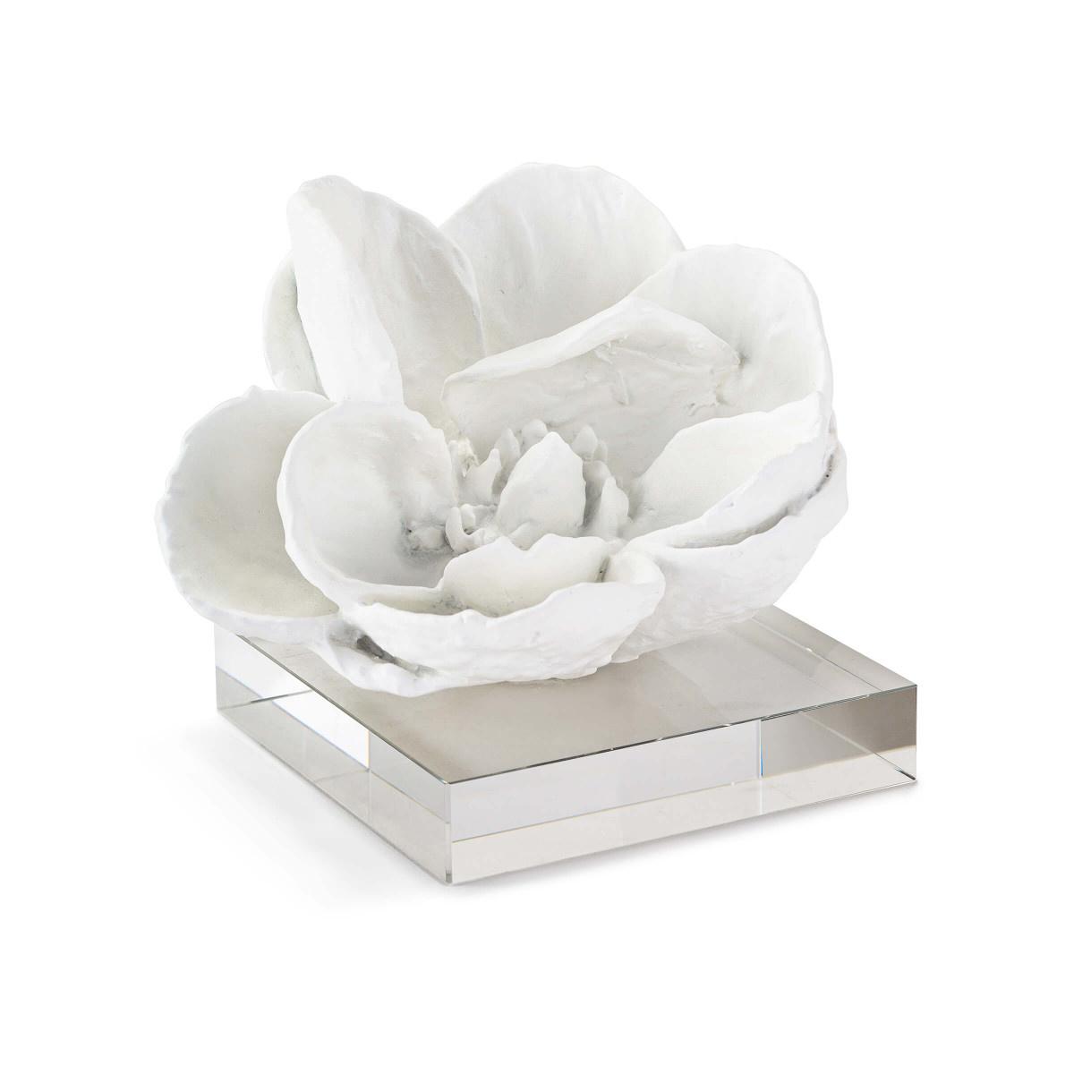Magnolia Objet-White