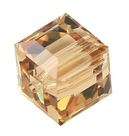 4 PC 8mm Swarovski Cube : Light Colorado Topaz