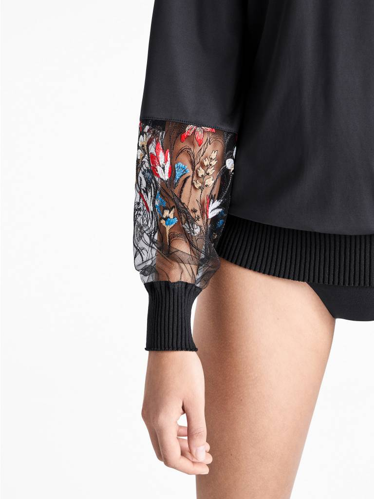 WOLFORD 52670 Wildflower Embroidery Pullover