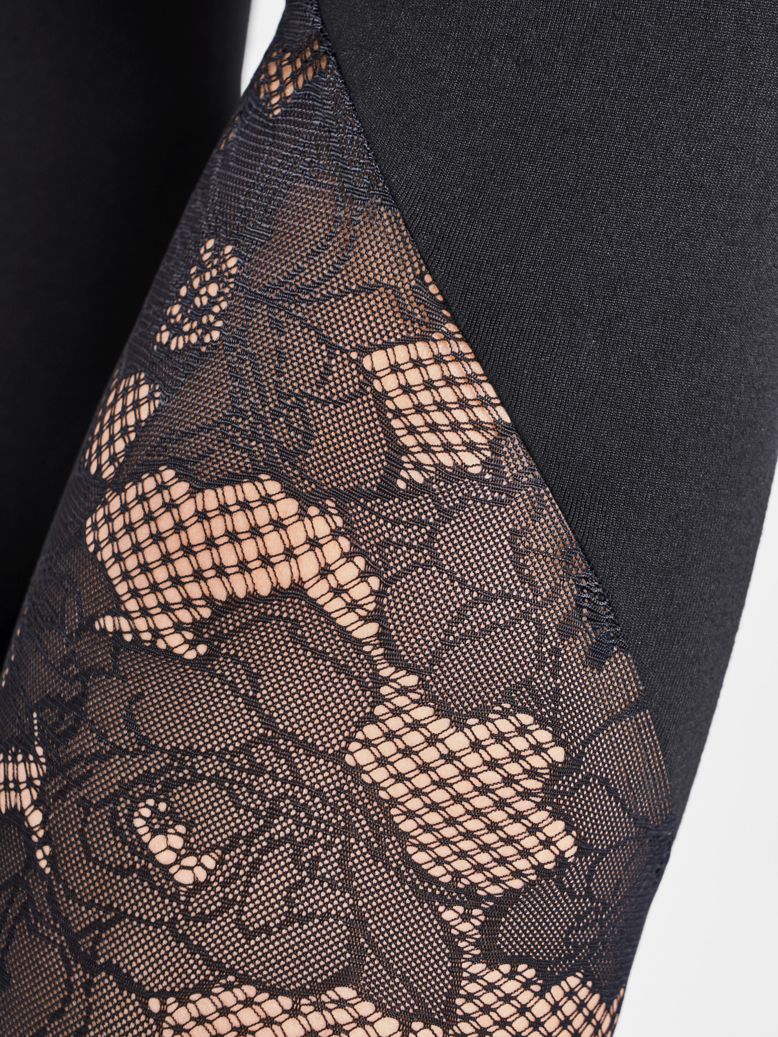 WOLFORD 14813 Perfect Fit Lace Leggings