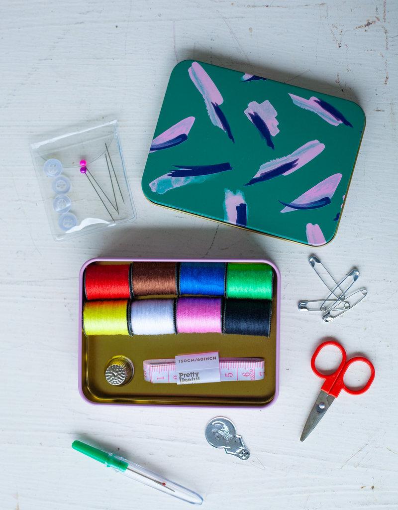 wild and wolf Sew & Repair Kit - Jungle Green