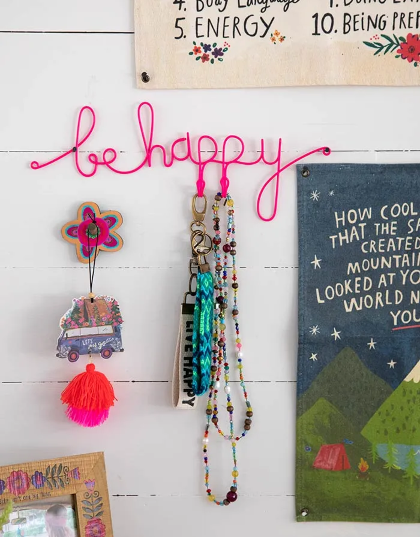 Be Happy Wire Jewelry Holder