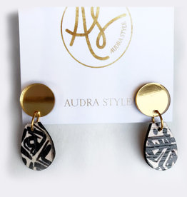 Audra Style Claire Earrings - Gold Mirror B&W Pattern