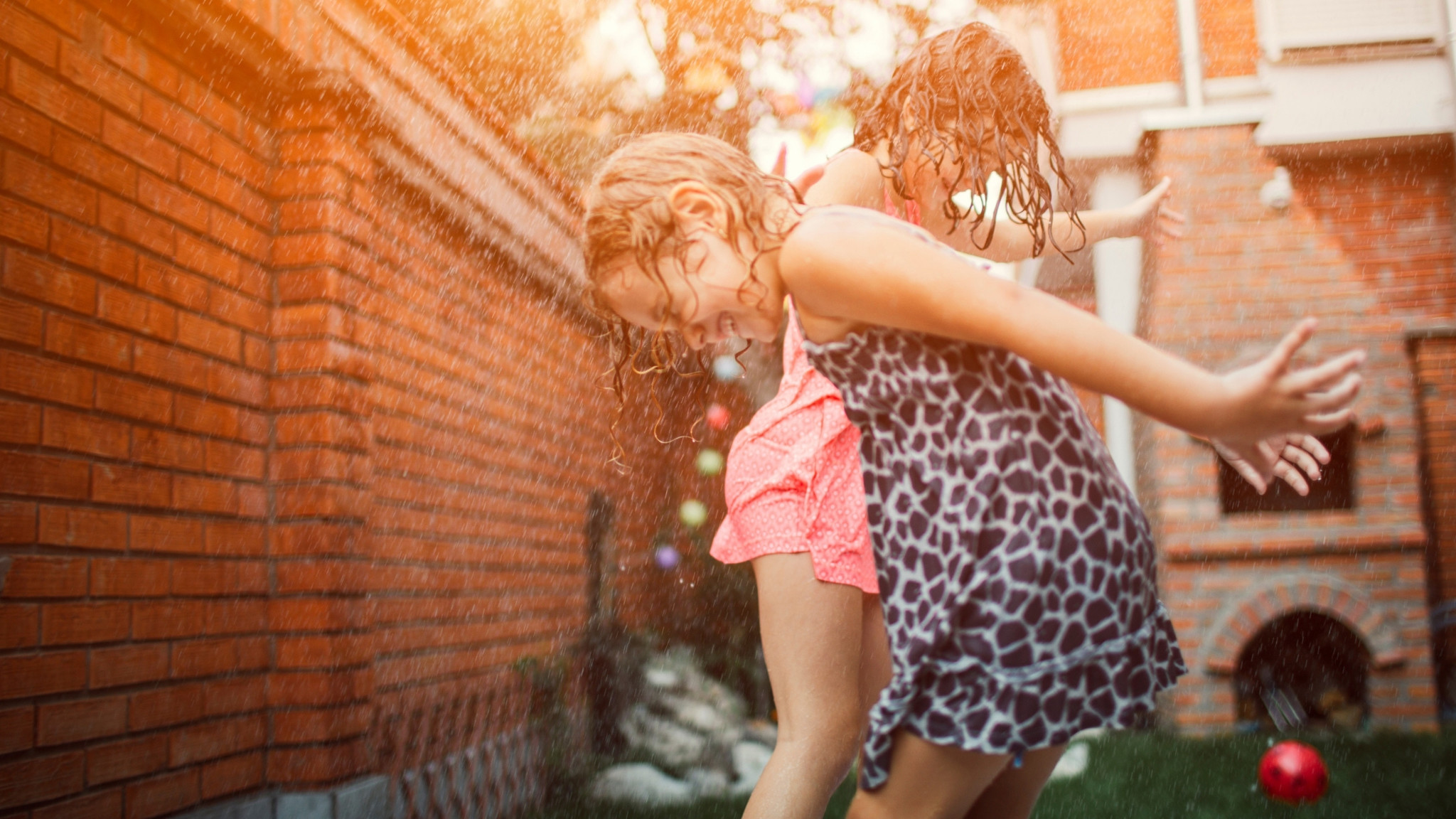 How to keep kids safe during summer - 5 tips and advice for outdoor fun.