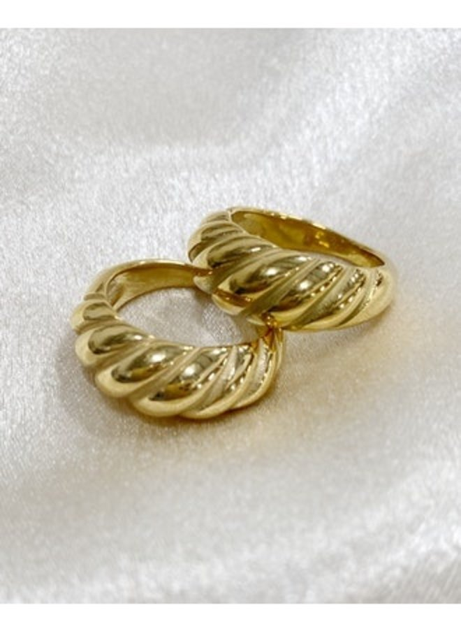 Aiden Twist Ring Gold