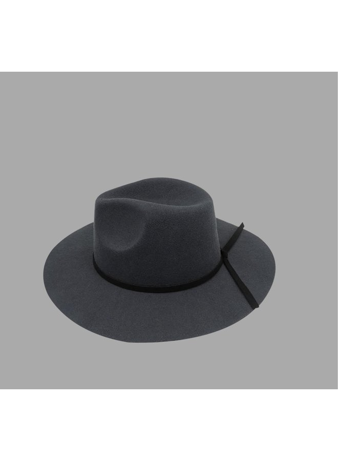 Gisele Hat Grey