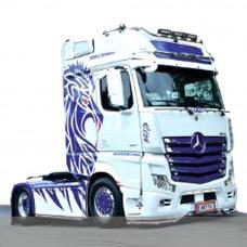 Plastic Kits ITALERI (d) Mercedes Benz Actros MP4 Giga Space Show Truck. 1:24 Scale