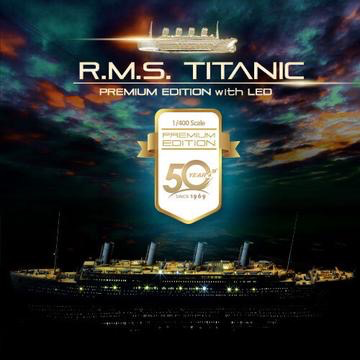 Plastic Kits ACADEMY  (e) 1/400 Scale R.M.S Titanic Premium Edition With Led Plastic Model Kit