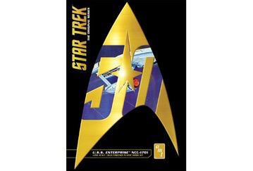 Plastic Kits AMT (f)  1/650 Scale - Star Trek Classic U.S.S. Enterprise (50Th Anniversary Edition) Plastic Model Kit