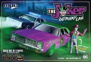 Plastic Kits MPC (f) 1/25 Scale -  Batman Joker Goon Car 1978 Dodge Monaco Plastic Model Kit
