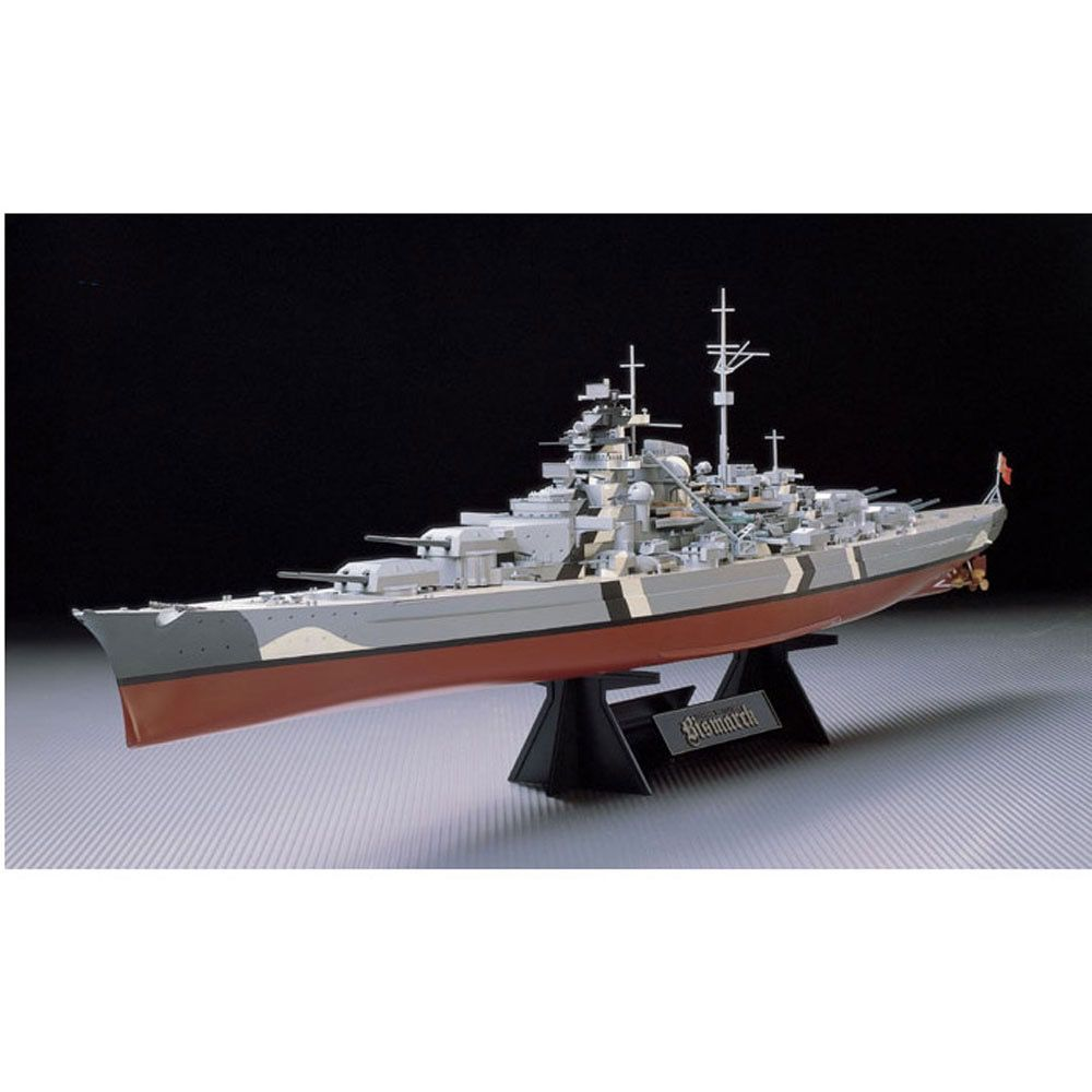 Plastic Kits Tamiya Bismarck German Battleship. 1/350 Scale