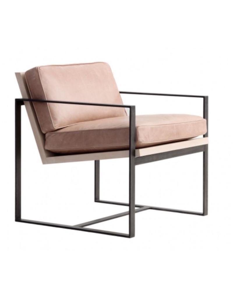 Staging Manhattan Chair