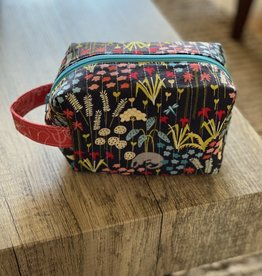 Joy In The Stitches Boxy Zipper Bag-Navy floral