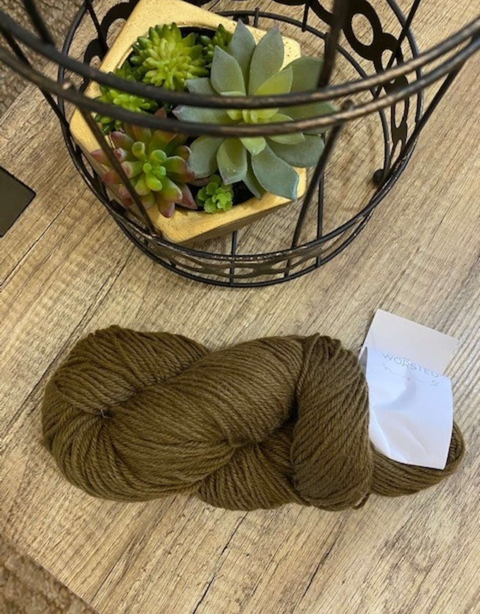 Universal Yarn Deluxe Worsted Bronze Brown