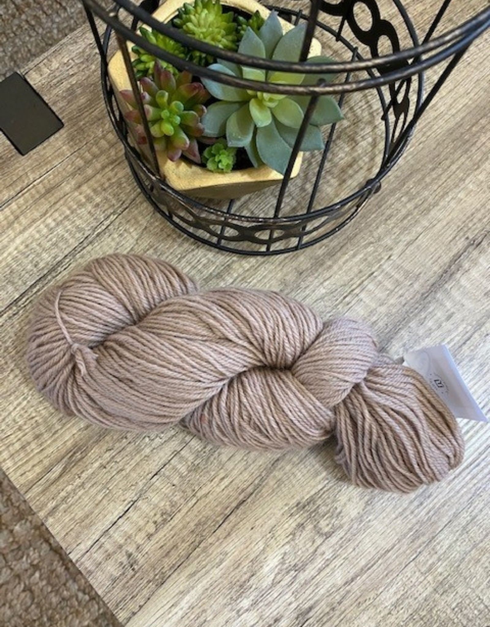 Universal Yarn Deluxe Worsted Sand