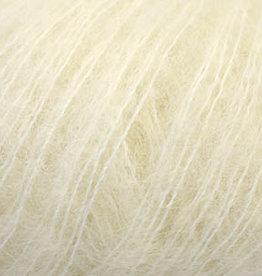 Universal Yarn Penna Eggshell (106)