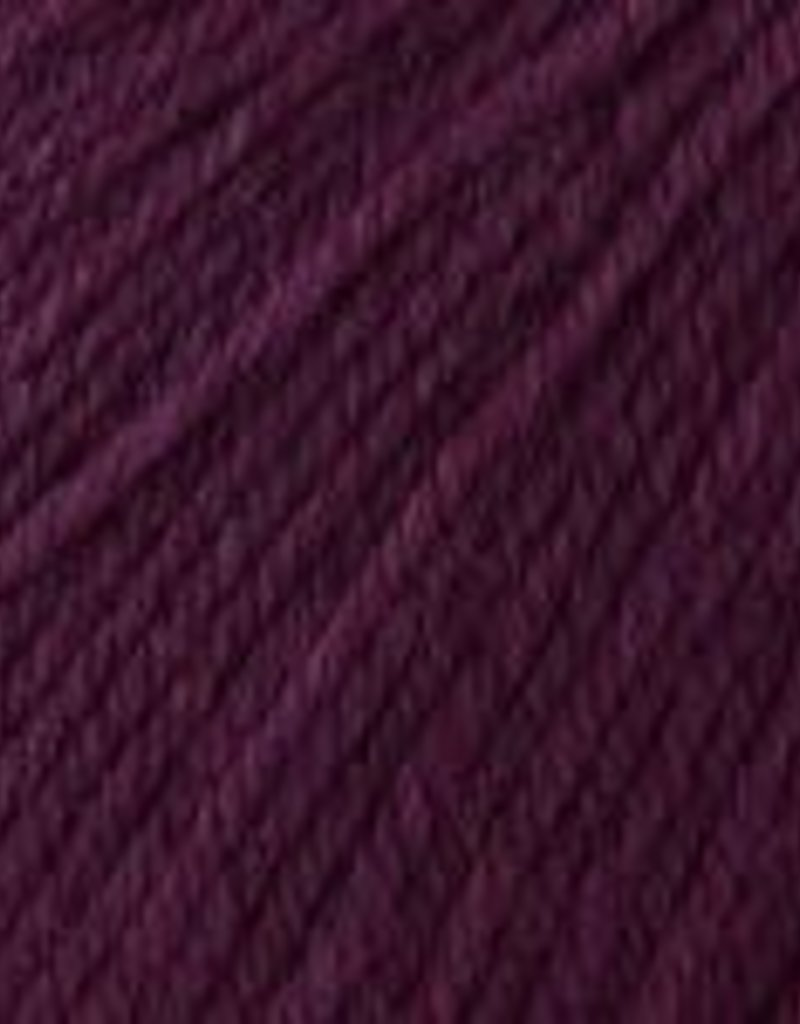 Universal Yarn Deluxe Worsted Superwash 742 Plum Dandy
