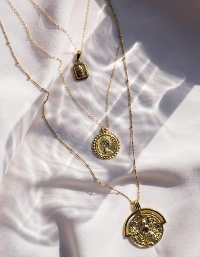 The Queen Coin Pendant Necklace - Gold Filled