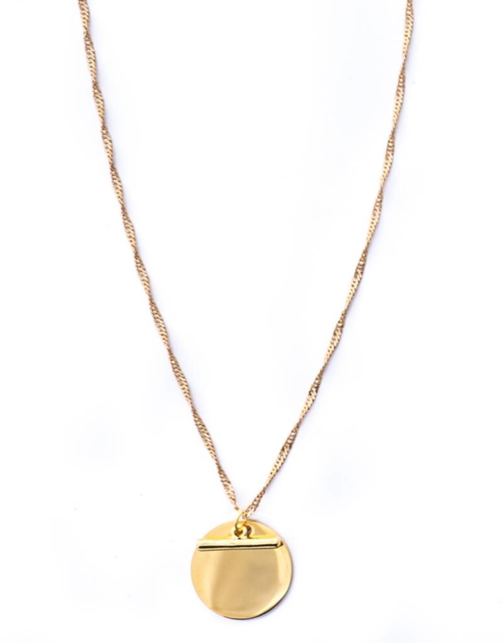 Faye Pendant Necklace