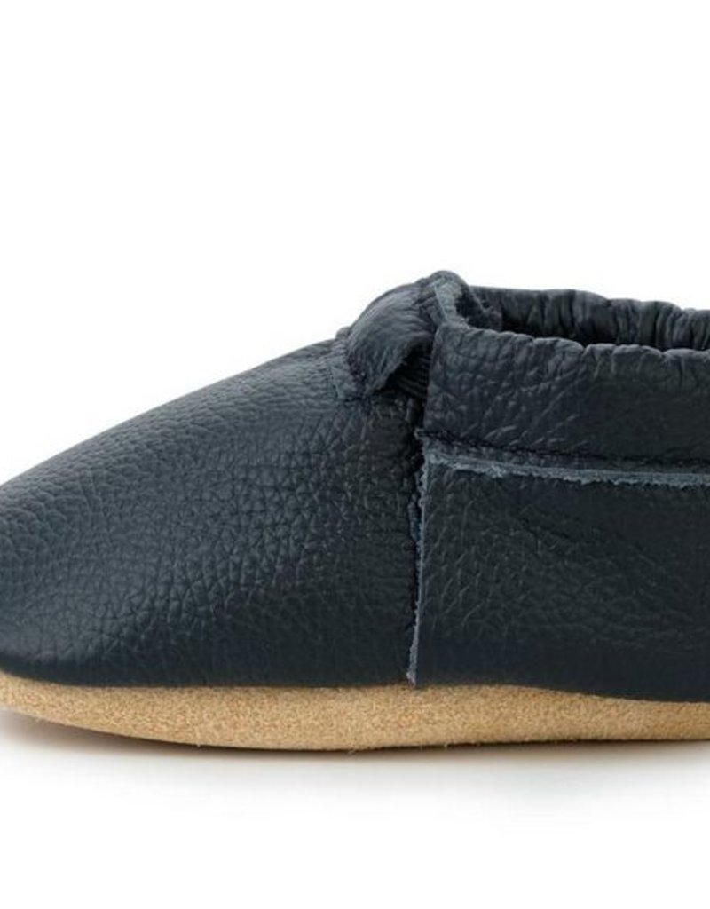 Black and Tan Fringeless Moccasins - 12-18 ms