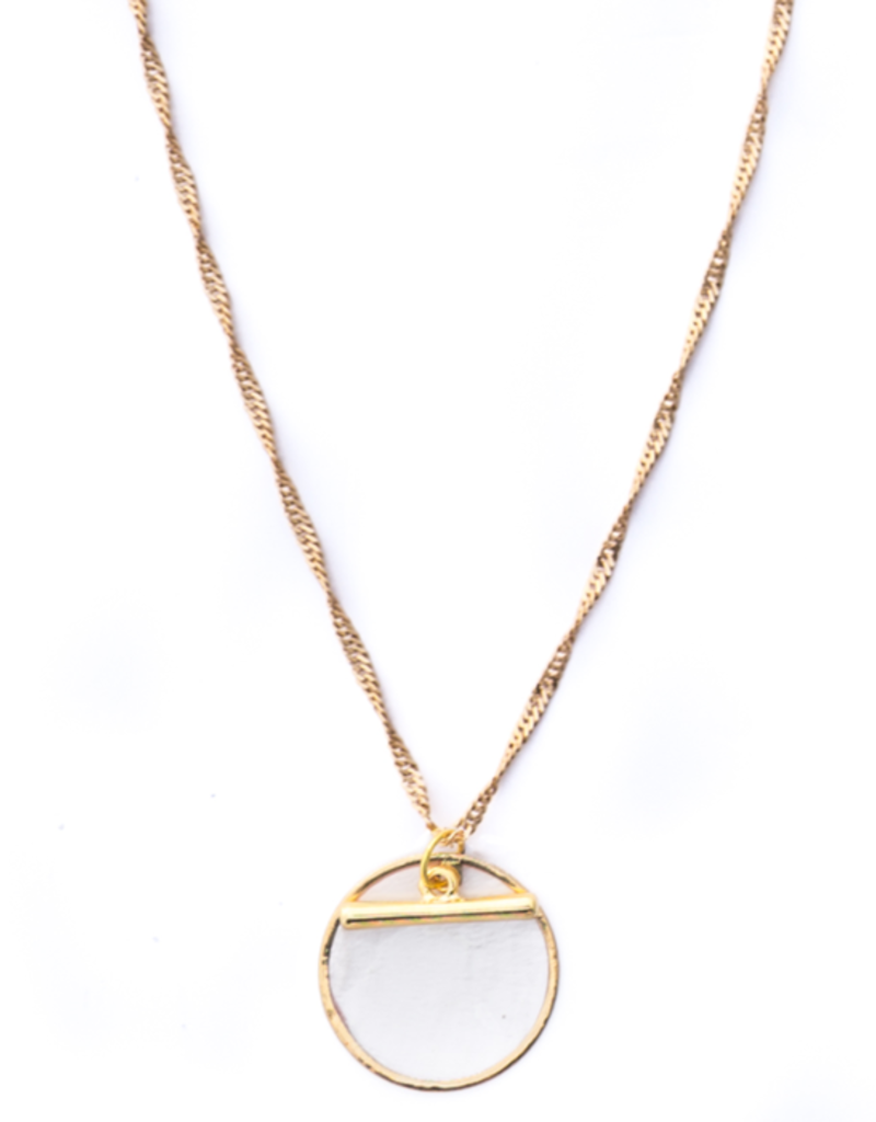 Faye Pendant Necklace - Pearl