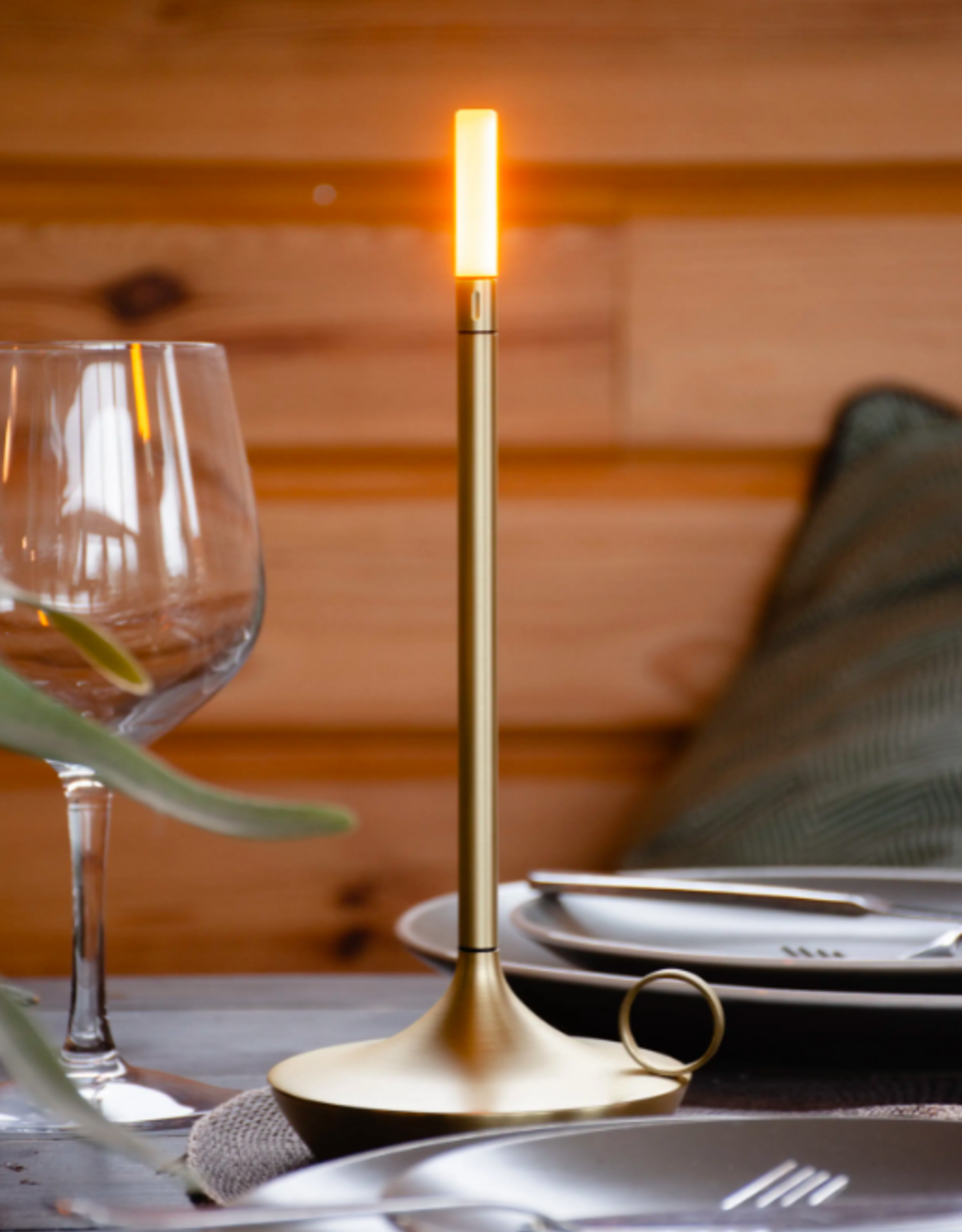 Wick Portable Rechargeable Lamp - Brass