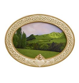 Grasslands Road Claddagh Oval Photo Frame