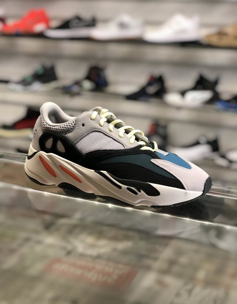 meet fd1c4 fbe0d KANYE WEST ADIDAS YEEZY 700 BOOST WAVE RUNNER