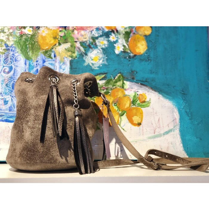 Bucket Bag w Tassel and Grommet