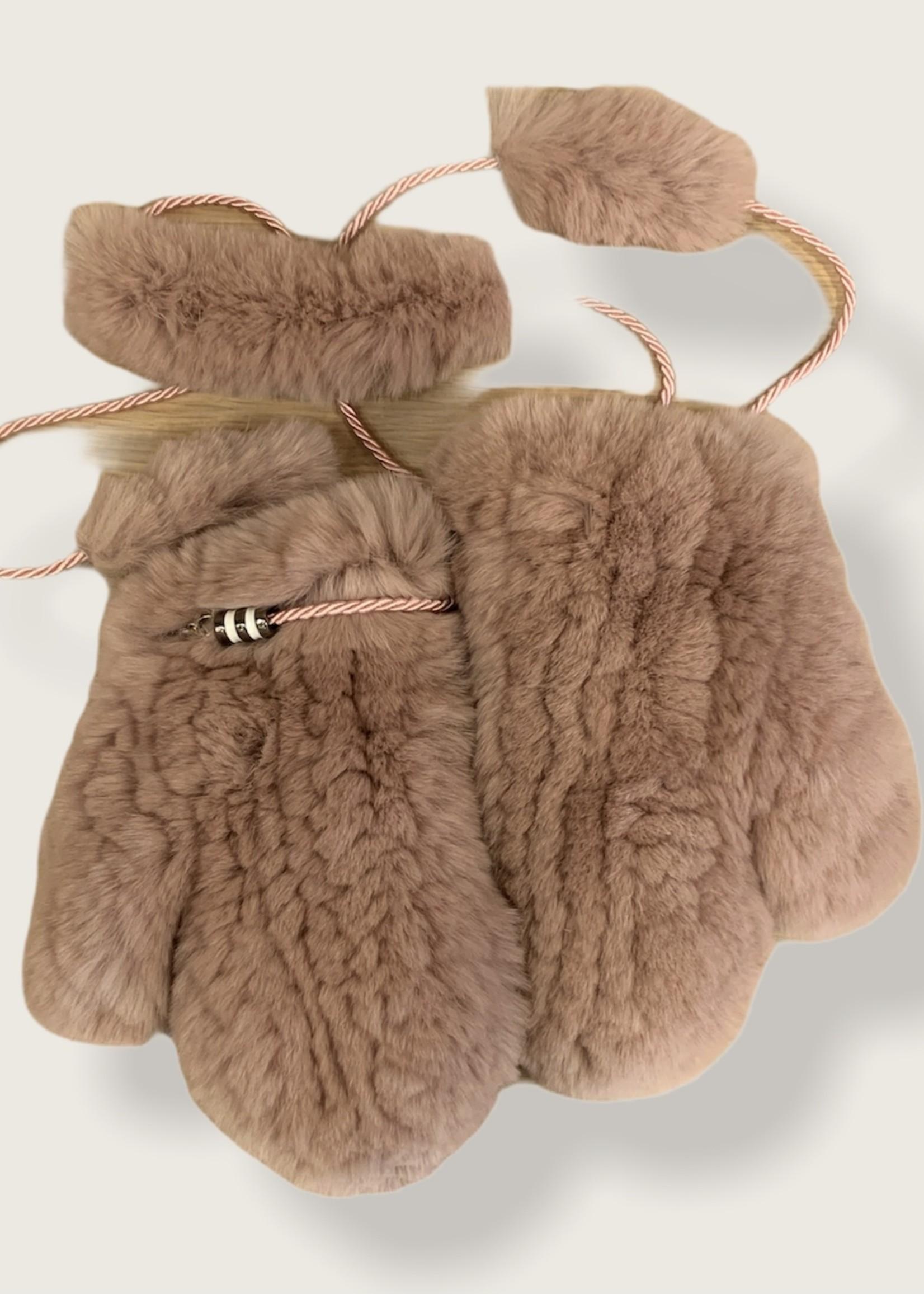 Igloo fur gloves