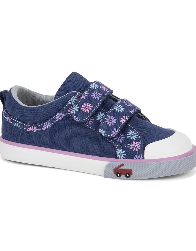 SEE KAI RUN* GIRL LOW TOP SIZE 8 ONLY