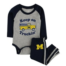 Wes and Willy Keep on Trucking Michigan Set