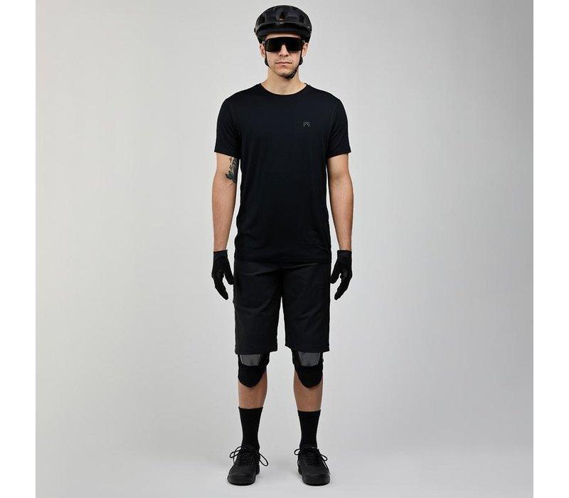 Tobin Short - Black