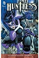 DC COMICS HUNTRESS CROSSBOW AT THE CROSSROADS TP