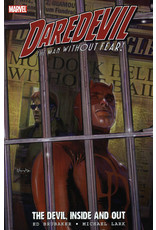 MARVEL COMICS DAREDEVIL BY BRUBAKER AND LARK ULT COLL TP BOOK 01