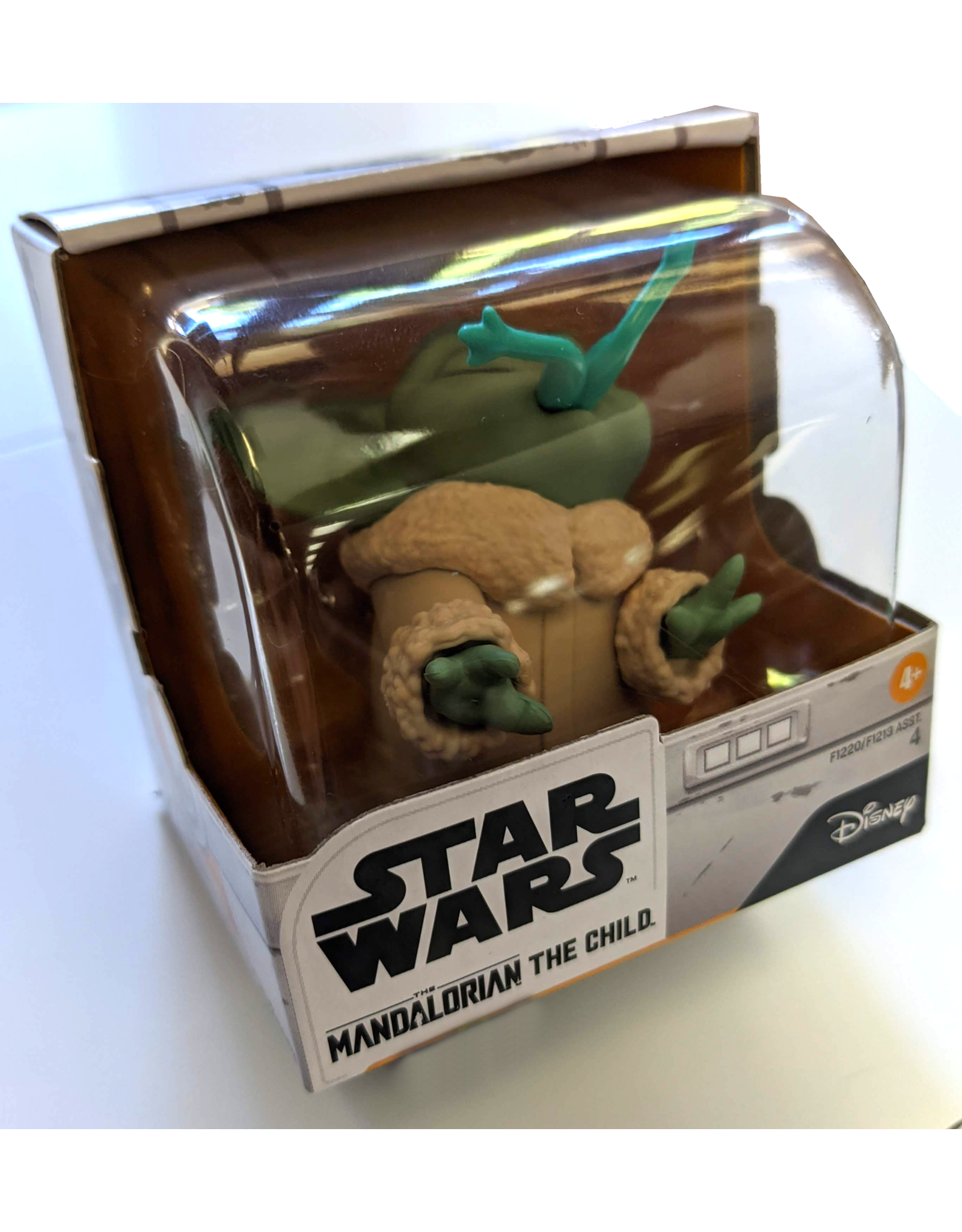 HASBRO TOY GROUP STAR WARS MANDALORIAN BABY BOUNTIES FROG FIG (OCT199146)