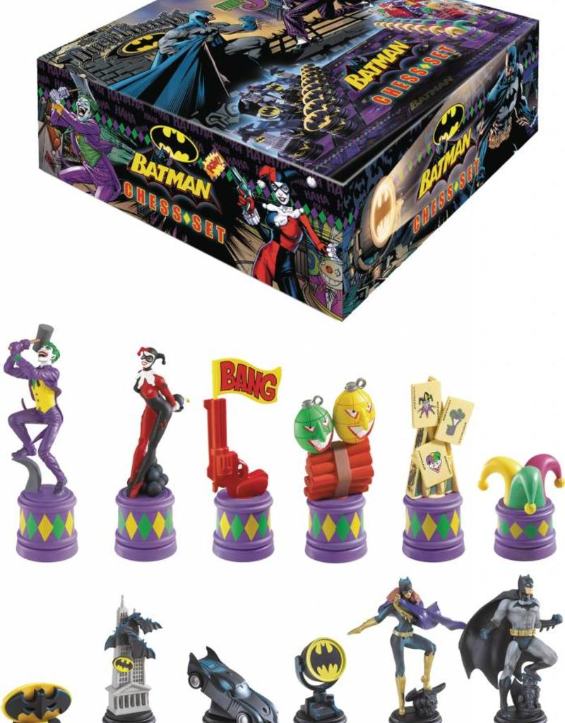 DC BATMAN DARK KNIGHT VS JOKER CHESS SET