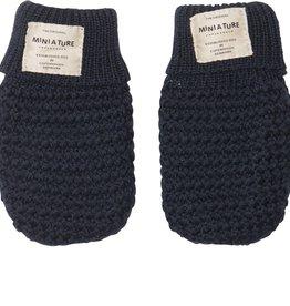 Celie merino wool mittens