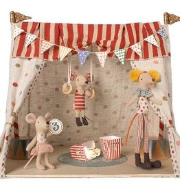 Circus with 3 mouses