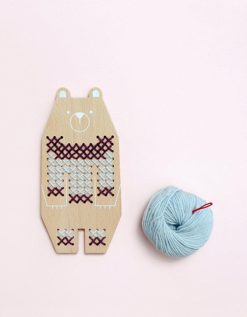 Moon pic nic Cross Stitch Friends – Bear