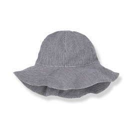 1+ in the family Ischia hat