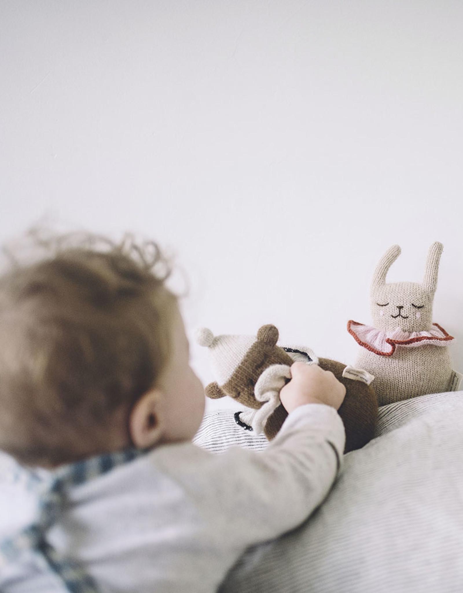 Main Sauvage Jingling Rabbit toy