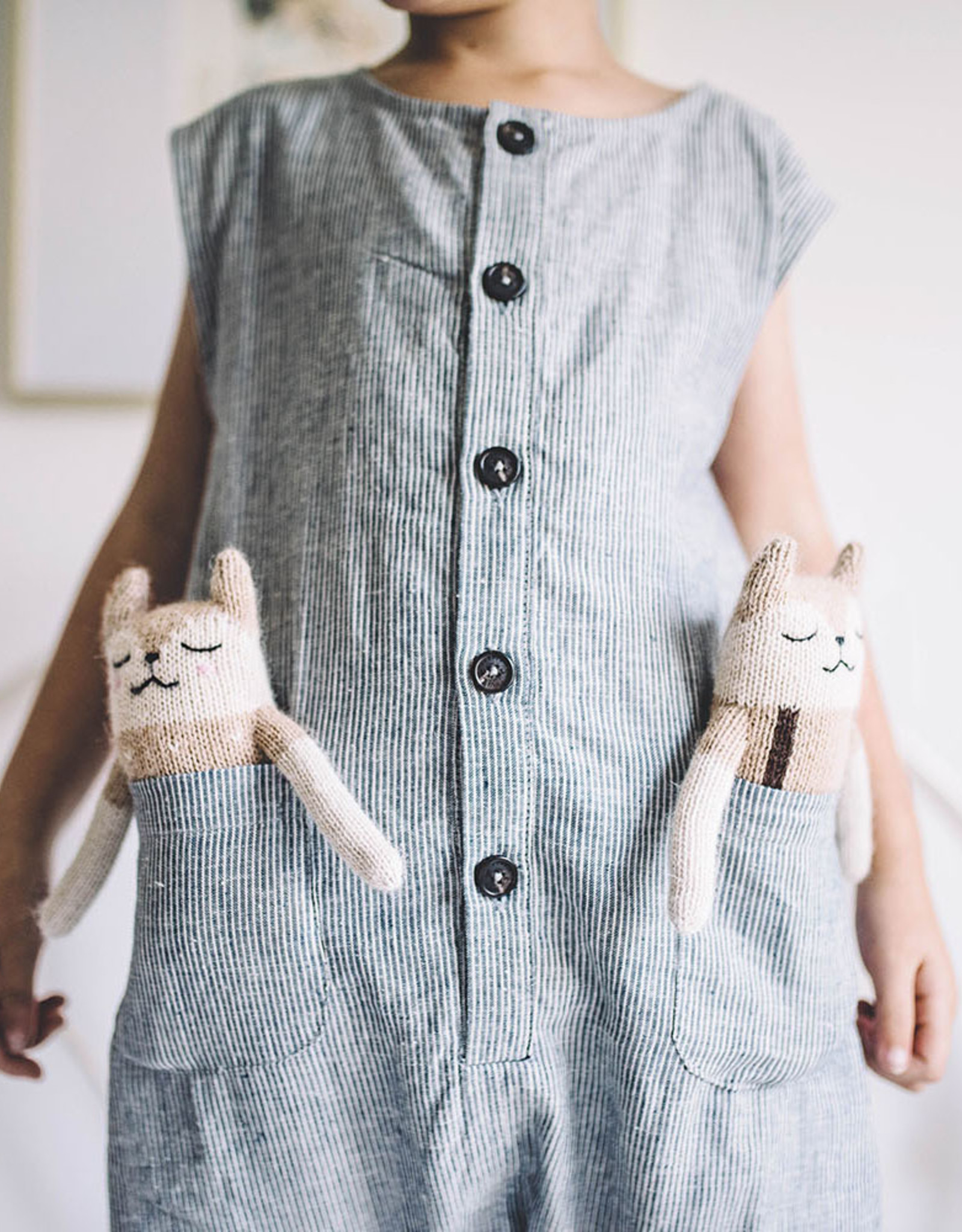 Main Sauvage Fawn Knit Toy