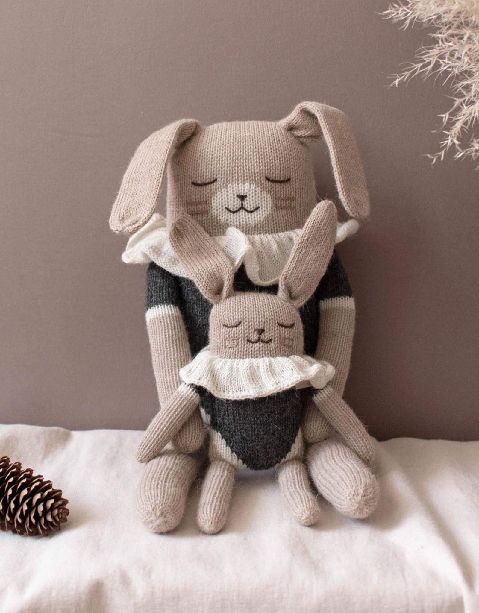 Main Sauvage Rabbit Knit Toy
