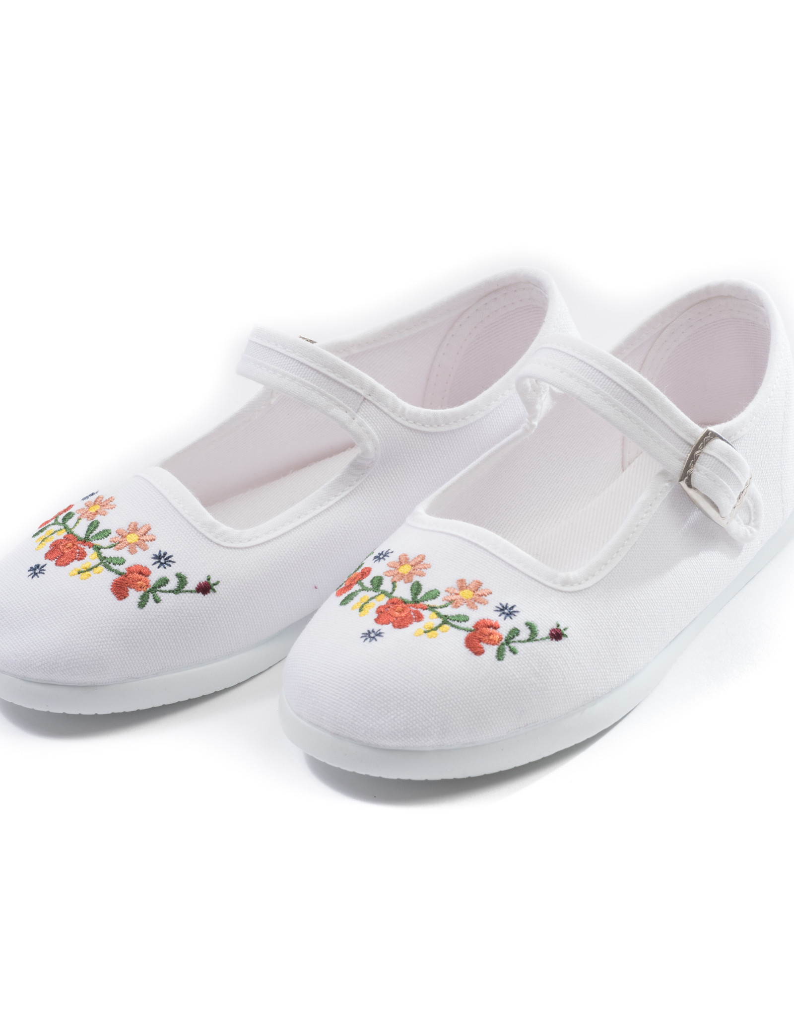Bonton Embroidered baby shoes